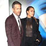 Nach seiner Ehe mit Scarlett Johansson sorgte er noch mitder Beziehung zu Blake Lively für viel Neid in der Männerwelt. Die beiden humorvollen Schauspielstars scheinen sich aber gesucht und gefunden zu haben, und ihre süßen Kinder Inez und James sind bereits 2 und 4 Jahre alt.