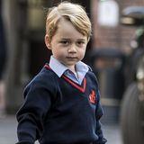Im Juli 2013 wird Prinz George geboren, das erste Kind von Prinz William und Herzogin Catherine. Nach seinem Großvater Prinz Charles und seinem Vater Prinz William ist er die Nummer drei in der britischen Thronfolge.