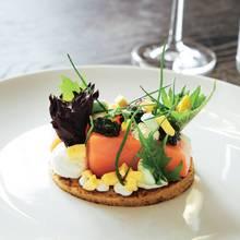 Kartoffelblinis mit Balik-Lachs und Kaviar