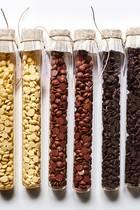 """Himmlischer Schoko-Genuss! Die Trinkschokoladen der Lübecker Manufaktur """"Evers&Tochter"""" zaubern einen herrlich cremigen Trinkspaß in den Becher. Verfeinert mit einem Schuss Espresso wird die süße Trinkschokolade – die es in den Sorten Weiß, Vollmilch und Zartbitter gibt –gleichzeitig zum Wachmacher. Auch perfekt zum Verschenken! Ca. 5,50 Euro"""