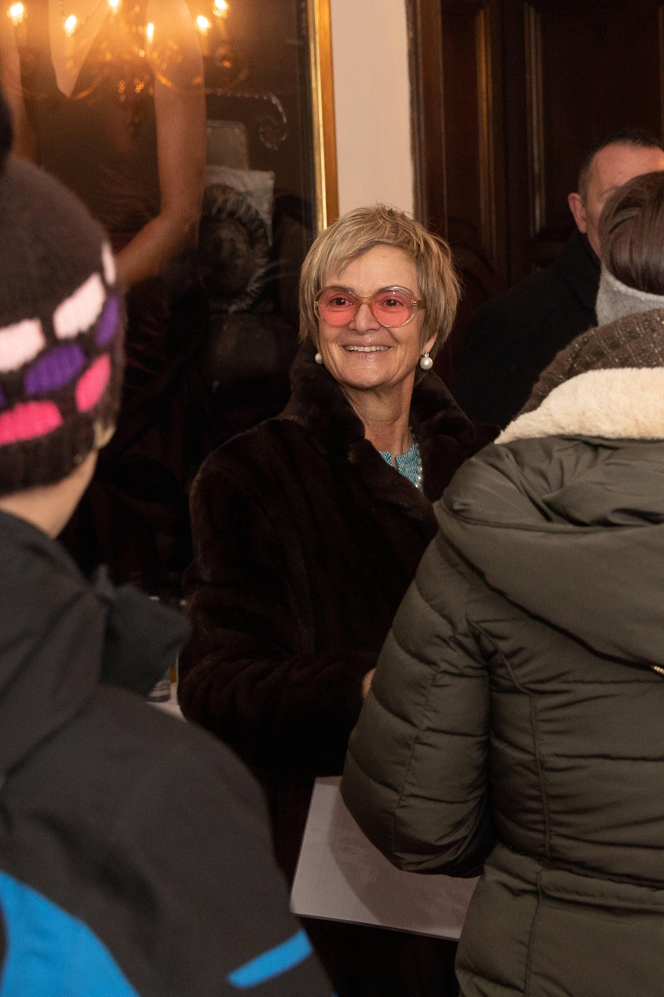 Gloria von Thurn und Taxis zeigt sich fröhlich auf dem hauseigenen Weihnachtsmarkt.