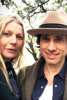 "17. Oktober 2018  ""Bummeln durch New Orleans"", postet Hollywoodstar Gwyneth Paltrow zu dem Selfie mit EhemannBrad Falchuk."