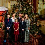 19. Dezember 2018  Die belgische Königsfamilie (Königin Mathilde und König Philippe mit den Kindern Prinz Gabriel, Prinzessin Eléonore, Prinz Emmanuel und Prinzessin Elisabeth) kommt beim jährlichen Weihnachtskonzert in Brüssel für ein Familienfoto zusammen.