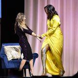 Wow! Diese kunterbunt-glitzernden Overknees von Michelle Obama stehen selbst dem Glitzer-Kleid von Sarah Jessica Parker die Show.