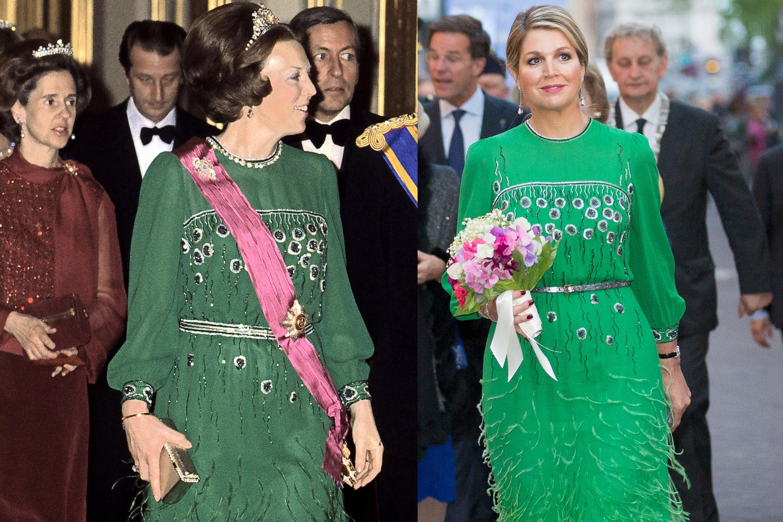 """Für ihren Besuch im""""Koninklijk Theater Carré"""" in Amsterdam bediente sich Königin Máxima am Kleiderschrank von Schwiegermutter und wählte eine grüne Robe mit Franzen und Stickereien. Obwohl ein paar kleine Änderungen an Taille und Kragen vorgenommen wurden, steht der Partnerlook beiden ausgezeichnet."""