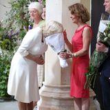 21. Juni 2018  Besuch der British Flowers Week 2018:Beim Blumen-Schnüffeln sorgt Herzogin Camilla für diesen lustigen Moment.