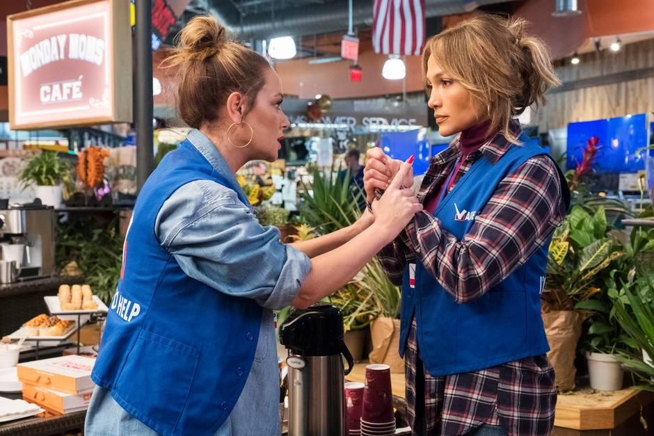 Joan (Leah Remini) und Maya (Jennifer Lopez)