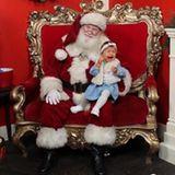 Sarah und Dominic Harrison: 21. Dezember 2018 Der erste Besuch mit Mia Rose beim Weihnachtsmann läuft anders als erwartet. Die Kleine bricht auf dem Schoß von Santa in Tränen aus ...
