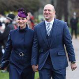 Zara und Mike Tindall kommen im dunkelblauen Partnerlook zum Weihnachtsgottesdienst.