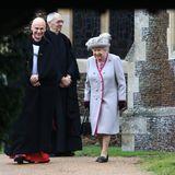Nach dem Gottesdienst ist die Stimmung sowohl bei der Queen als auch beim Pastor sehr gut. Na dann... Merry Christmas!