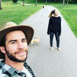 """August 2018  """"Spaziergang mit meinen Mädels"""", kommentiert Liam die Aufnahme."""