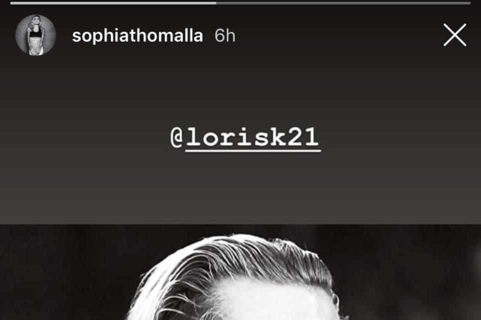 Die Botschaft ist eindeutig: In ihrer Instagram-Story postet Sophia Thomalla ein Foto von Loris Karius und zeichnet ein weißes Herz dazu.