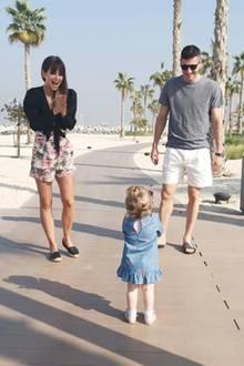 30. Dezember 2018  FC-Bayern-Stürmer Robert Lewandowski und Ehefrau Anna zeigensich total begeistert von ihrer kleinen Entdeckerin Klara.