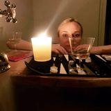Ein Glas Wein und eine Runde Backgammon reichen vollkommen aus für eine romantische Silvester-Nacht zu weit.Diane Kruger und ihr Freund, der Schauspieler Norman Reedus, haben es eher ruhiger angehen lassen, wie man auf diesem Foto sieht. Es ist nebenbei bemerkt das erste Foto, dass Reedus von Kruger auf seinem Instagram-Kanal veröffentlich hat.