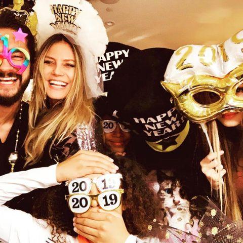 Bitte lächeln! Topmodel Heidi Klum begrüßt 2019 bestens gelaunt, an der Seite ihres Freundes Tom Kaulitz und ihren Kids.