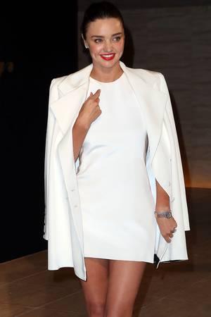 Miranda Kerrschwört auf das Intervall- bzw. intermittierende Fasten. Vor dem Frühstück trinkt das australische Model, 35, immer warmes Wasser mit Zitrone