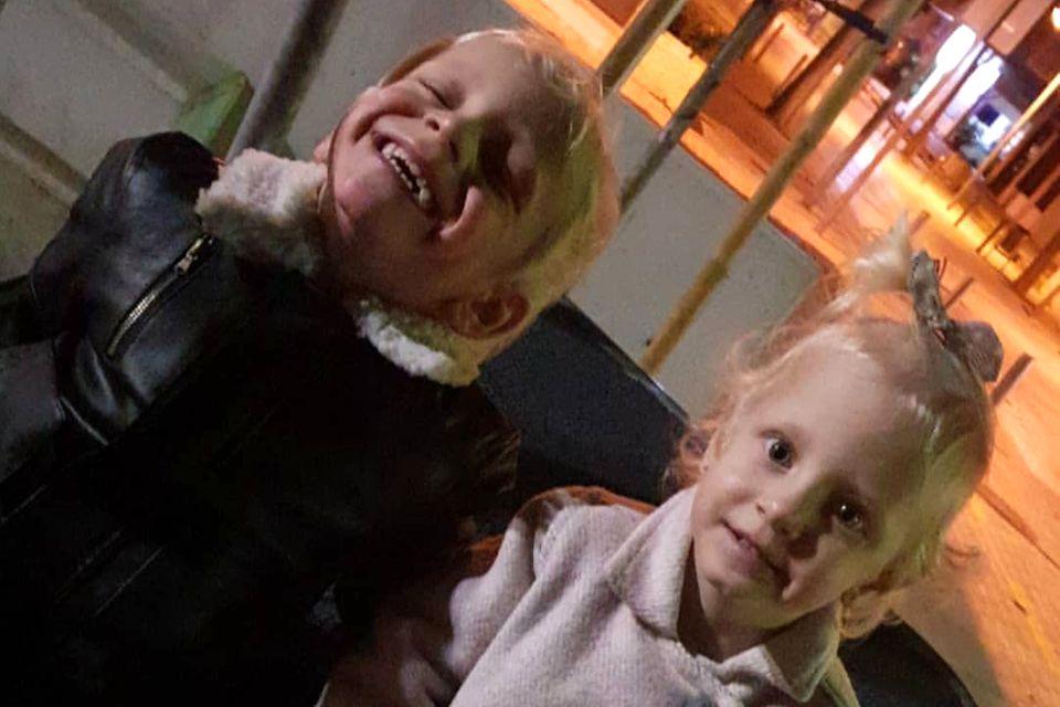Daniela Büchners Kinder Diego, Jenna und Jada auf dem Spielplatz