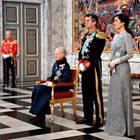 Königin Margrethe (sitzend), Prinz Frederik, Prinzessin Mary (von links) beim Neujahrsempfang für die Diplomaten 2019