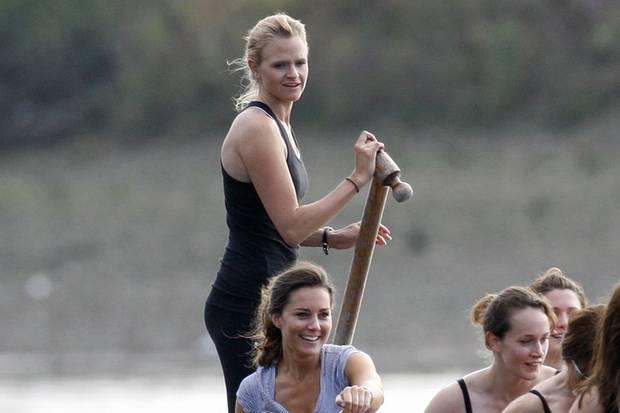 Herzogin Catherine und Emma Sayle 2007 bei einem Ruderwettkampf in London
