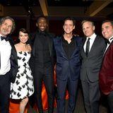 Peter Farrelly, Linda Cardellini, Mahershala Ali, Jim Carrey, Viggo Mortensen undMike Hatton posieren zusammen für ein Gruppenfoto.