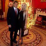 Dieses Pärchenfoto von der Weihnachtsparty im Weißen Haus, am 13. Dezember, postete First Daughter Tiffany Trump erst jetzt auf Instagram. Mit dem Bild macht sie ihre Beziehung zu Michael Boulos Instagram official. Doch statt sie zu ihrer neuen Liebe zu beglückwünschen, kritisieren viele User das Gesicht der 25-Jährigen. Einige werfen ihr zu viel Einsatz von Photoshop vor, andere sogar eine Beauty-OP.