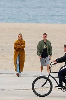 5. Januar 2019  Hailey Balwind und Justin Bieber genießen einen romantischen Spaziergang am Santa Monica Beach in Los Angeles.