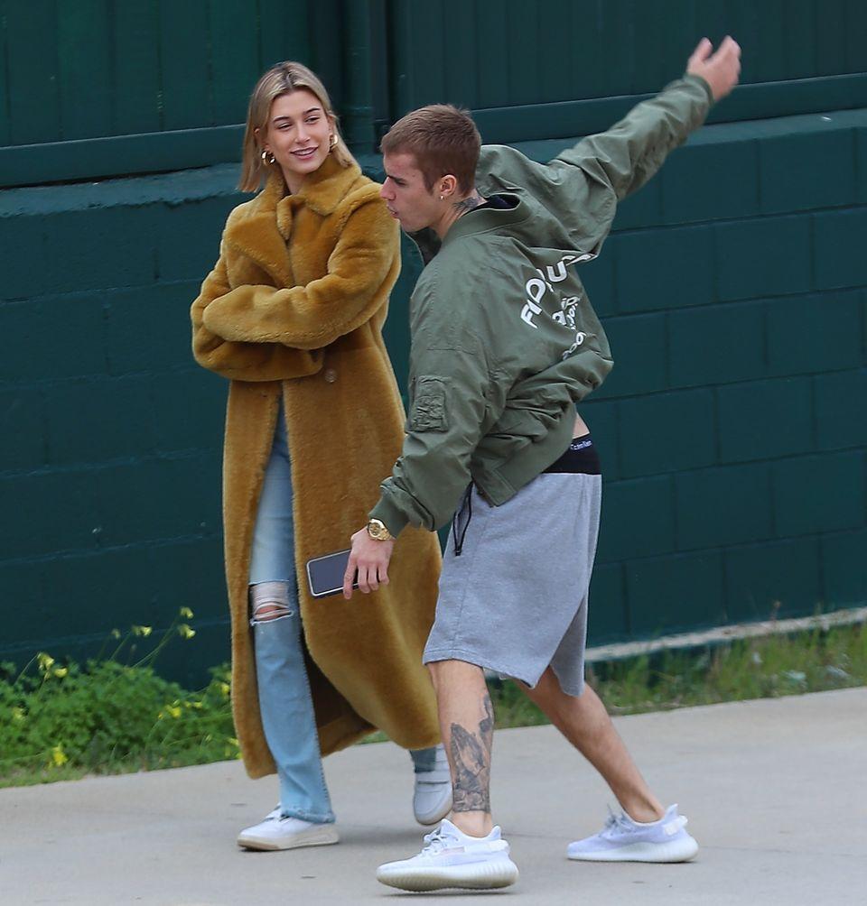 5. Januar 2018  Justin Bieber sorgt für Unterhaltung: Mit seiner Hailey spaziert der Pop-Star durch Santa Monica.