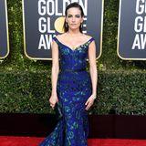 Camilla Belle hat anlässlich der Golden Globes besonders dick aufgetragen. Der farbenfrohe Lidschatten spiegelt sich im Kleid zwar wieder und würde den Look eigentlich perfekt abrunden, allerdings ist es vielleicht doch fast too much.