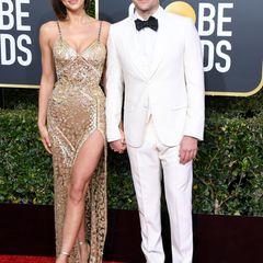 Ein Powerpaar! Um Bradley Coopers Regie-Debüt zu zelebrieren, begleitet ihnIrina Shayk auf dem roten Teppich. In ihrem goldenen Versace-Dress raubt sie ihrem Liebsten aber fast die Show.