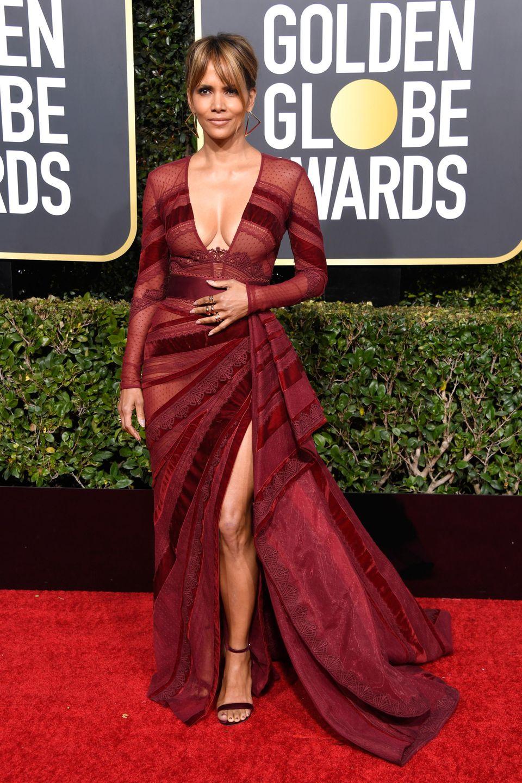 Halle Berry ist 52, was man aber kaum glauben mag bei diesem Anblick.