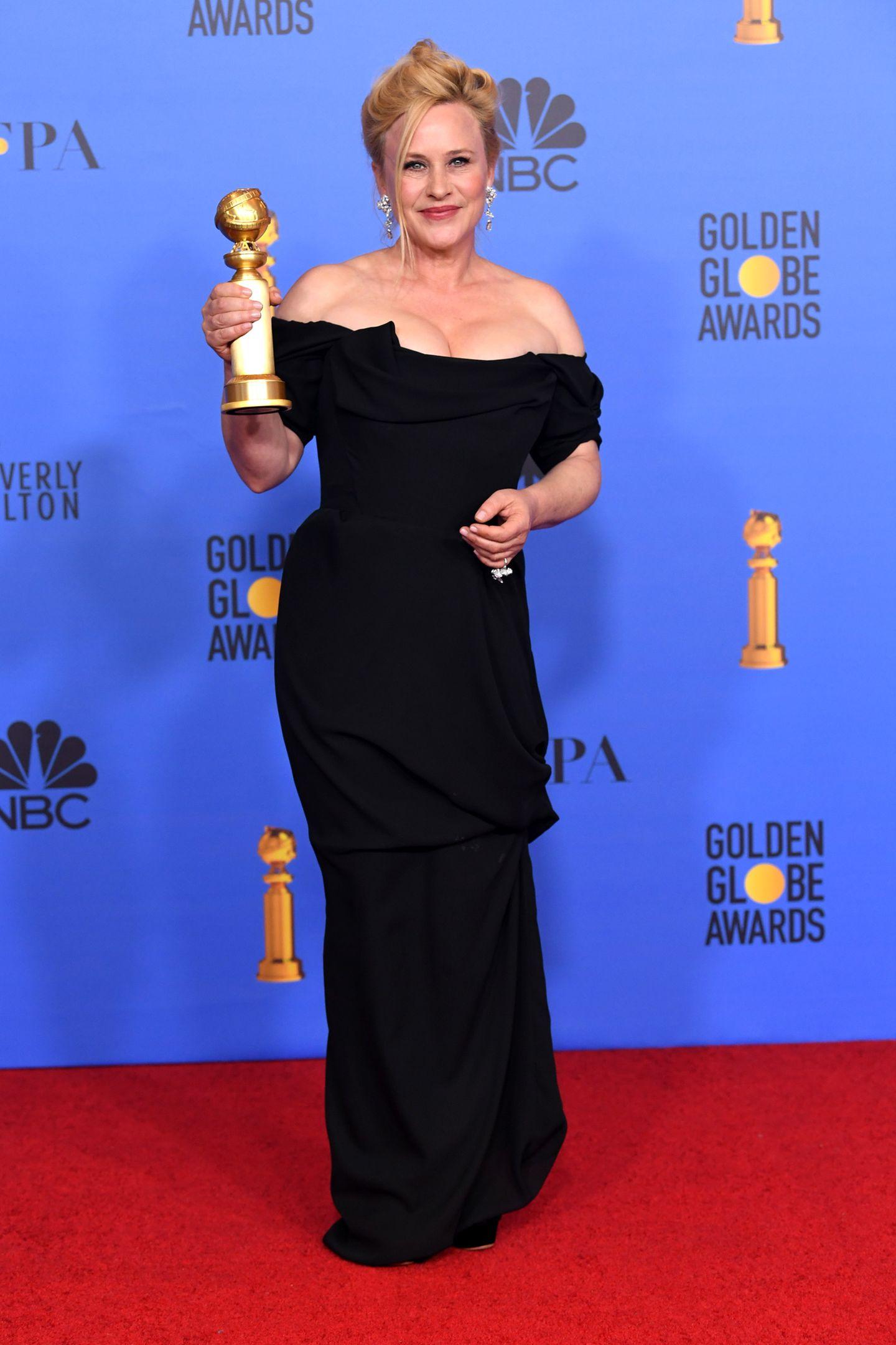 Elegant und sexy in Schwarz zeigt sich Golden-Globe-Gewinnerin Patrica Arquette.