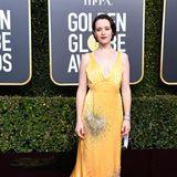 Claire Foy bringt einen Hauch des alten Hollywoods zurück auf den roten Teppich.