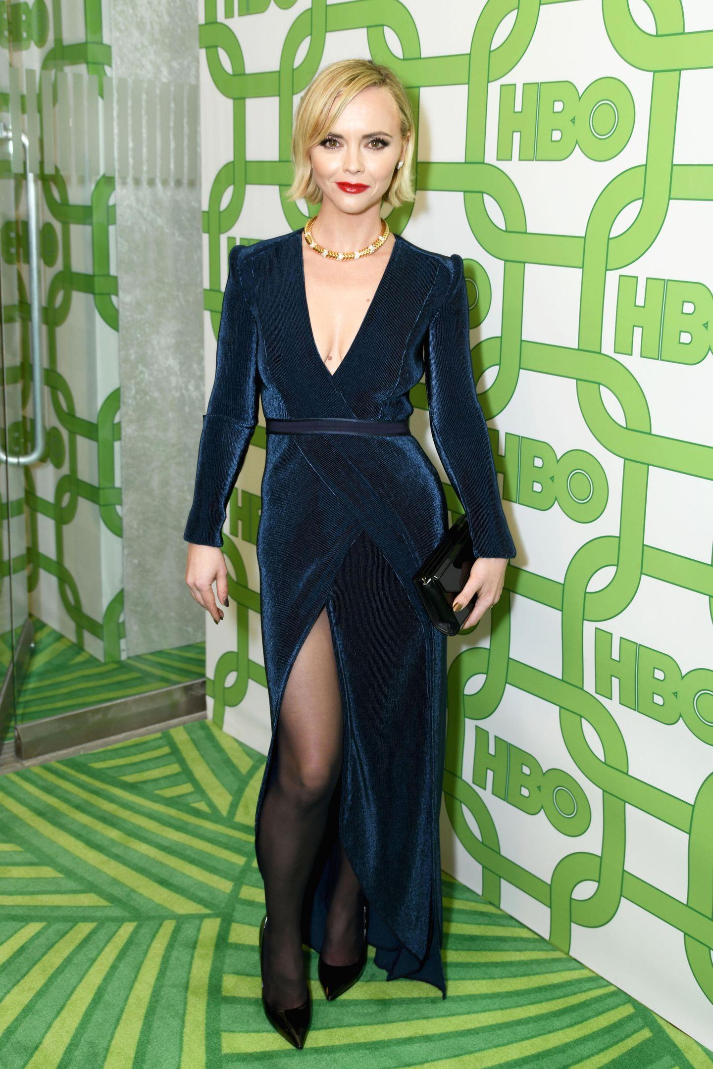 ChristinaRicci bezaubert bei der HBO-Party in blauem Samt.