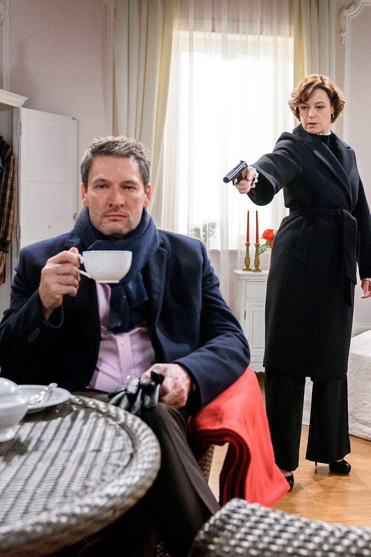 """In """"Sturm der Liebe""""-Folge 3088fallen zwischen Xenia und Christoph in ihre alten Muster zurück - und bekämpfen sich"""