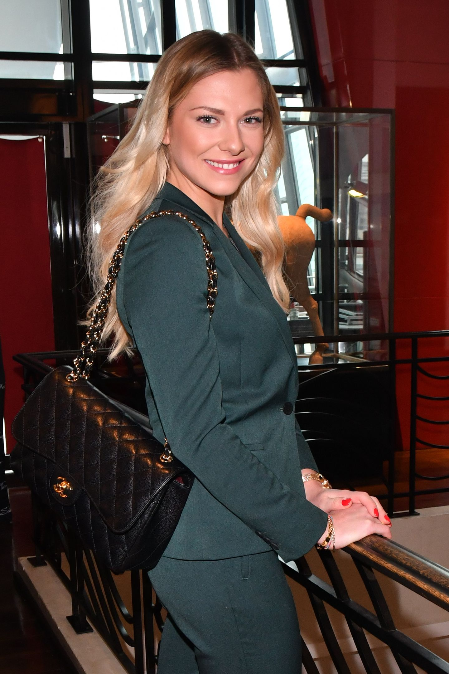 Valentina Pahde ist in Deutschland besonders als Schauspielerin bekannt. Die schöne Blondine hat zum Beispiel eine feste Rolle, die derSunny Richter, bei der Fernsehserie GZSZ. Abseits des Scheinwerferlichts überrascht sie mit einer ganz anderen Berufung ...