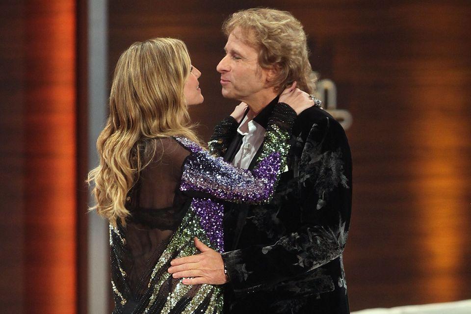 """Heidi Klum war immer gern gesehener Gast in der Show, die Thomas Gottschalk jahrelang moderierte. Bei """"Wetten, dass..."""" zelebrieren die beiden ihre Freundschaft."""