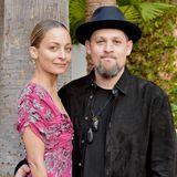 Bis heute ziehen Nicole und Joel jeweils ihren eigenen Look durch, haben sich dabei aber auch weiter entwickelt. Der Rocker wirkt seriöser, Nicole mehr wie eine Lady.