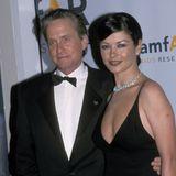 Michael Douglas und Catherine Zeta-Jones sieht man schon in den 1990er-Jahren gemeinsam auf demroten Teppich.