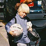 Hellblond wie seine Mutter Prinzessin Mette-Marit bezauberte auch ihr erster Sohn Marius die Norweger spätestens seit der königlichen Hochzeit im August 2001. Hier ist der süße Knirps, der heute (13. Januar) seinen 22. Geburtstag feiert,gerade mal 4 Jahre jung. Wir gratulieren ganz herzlich!