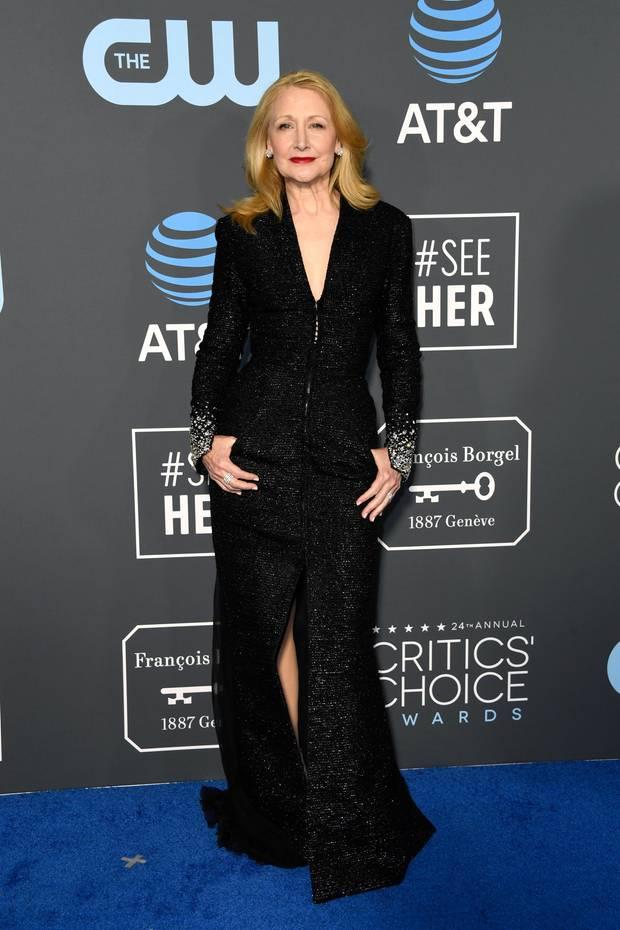 Auch Patricia Clarkson setzt auf ein Design von Georges Chakra. Sie trägt  ein schwarz- c77ddf34ae