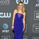 Bei den Critics' Choice Awards Anfang des Jahres setzt Kristen Bell auf einen satten Blauton, der einfach perfekt zu ihrem Teint und ihrer Haarfarbe passt. Da muss das Kleid auch gar keinen extravaganten Schnitt mehr haben. Es ist auch so ein Hingucker.