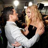 """Schwamm drüber: Nach der viral gegangen """"Golden Globe """"Abfuhr"""" begrüßen sich Rami Malek und Nicole Kidman vor dem Beginn der Award-Show herzlich."""
