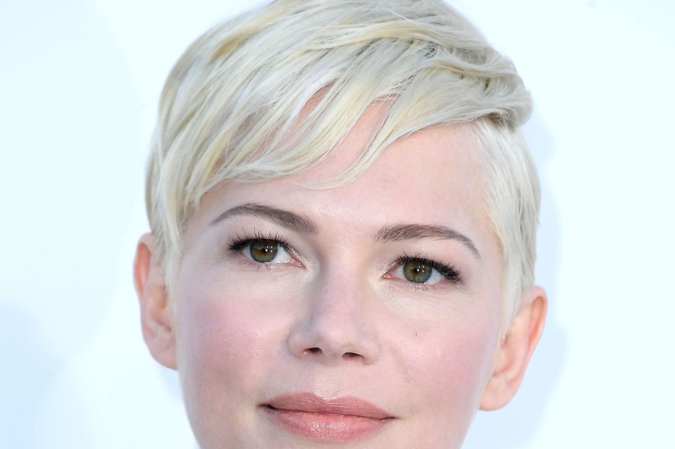 "Michelle Williams liebt ihren ""Pixie Cut"", den absolut kurzen Klassiker"