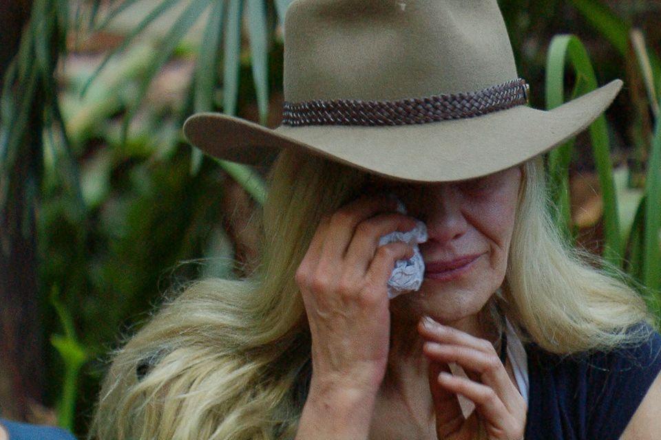 Tränen gehören beim Dschungelcamp dazu. Sibylle Rauch wird von ihren Emotionen überrannt.