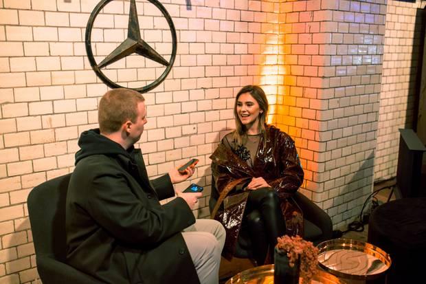 Topmodel Stefanie Giesinger im Gespräch mit Redakteur Steffen