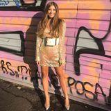 Das nennen wir mal ein Statement-Accessoire! Denn beidiesem Look von Cathy Hummels aufder Mercedes-Benz Fashion Week in Berlin können wir unseren Blick von diesem überdimensional großen Gürtel nicht abwenden. Die Instagram-Follower von Cathy sehen das ähnlich und fragen sich, ob es das Accessoire nicht auch in einer Nummer kleiner gegeben hätte ...