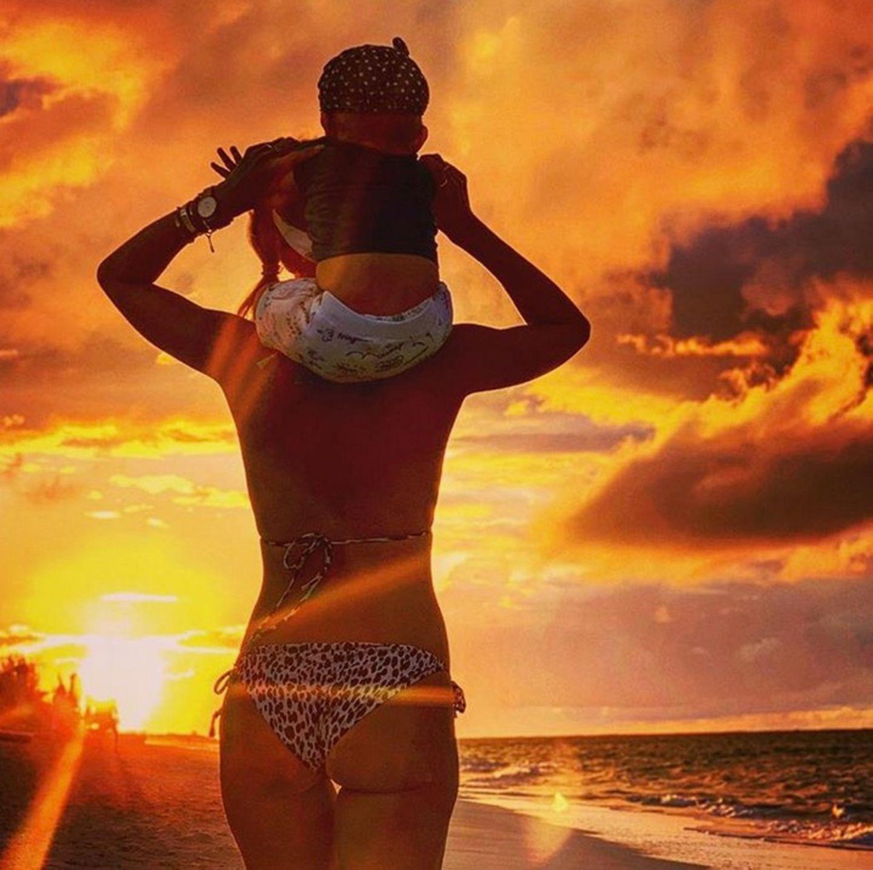 19. Januar 2019  Der Sonne entgegen: Dieses wunderschöne Bild von sich und Mini C postet Annemarie Carpendale auf ihrem Instagram-Account und löst damit Fernweh bei uns aus.