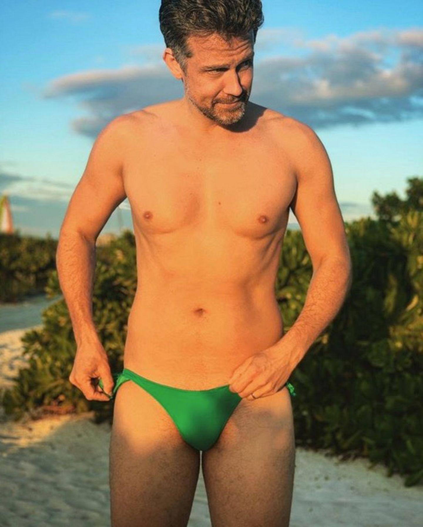 17. Januar 2019  Die geforderten Likes sind weit übertroffen. So bleibt Wayne Carpendale nichtsanderes übrig, als seine Wettschulden einzulösen. Voilà, hier ist das Bikini-Bild von vorne.