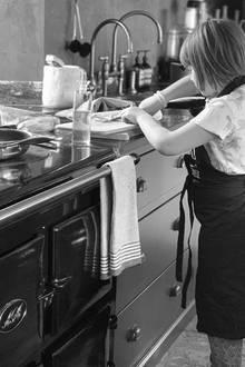"""20. Januar 2019  """"Danke für mein Baconsandwich"""", postet Papa David Beckham stolz. Seine TochterHarpermacht als Küchenchef eine gute Figur."""