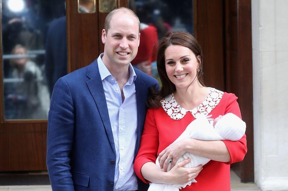 Prinz Louis nach seiner Geburt in einer Decke vonG.H Hurt & Son